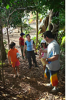 The hikes around Isla Paridita are suitable for persons of all ages