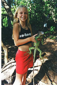 During your hikes around Isla Paridita you might encounter a green iguana in its hiking trails